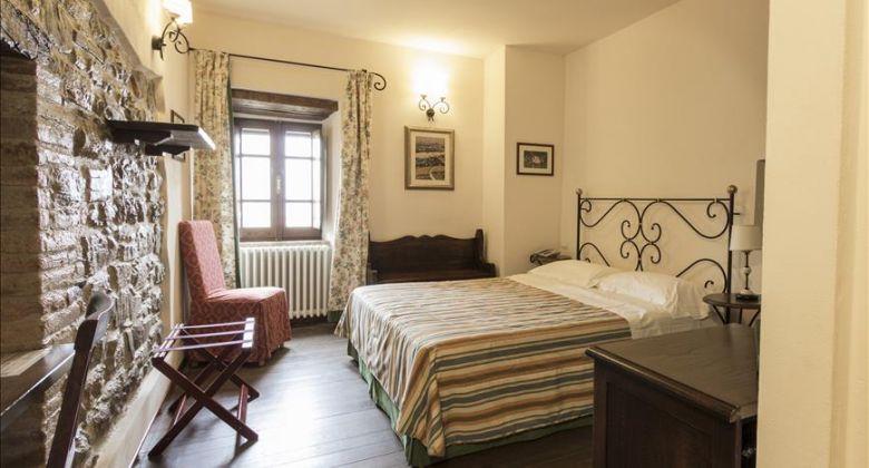 castello-assisi-una-camera-matrimoniale