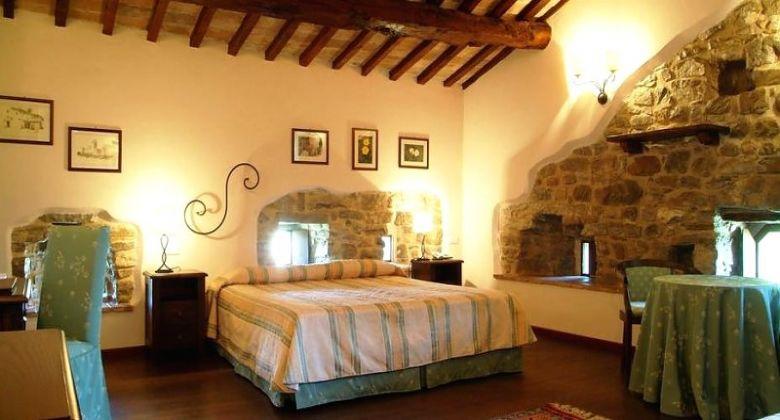interno-camera-castello-assisi