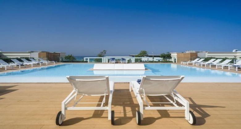 piscina-hotel-porto-cesareo
